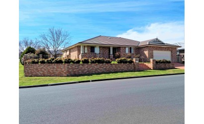 FIRST TO SEE WILL BUY  -  LARGE 1247 sqm BLOCK - BY NEGOTIATION